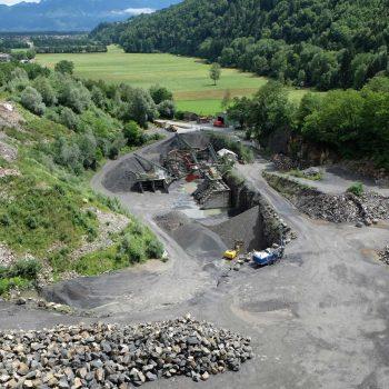 Vorschaubild Steinbruch Josef Marxer AG, Blick über den Steinbruch Limseneck